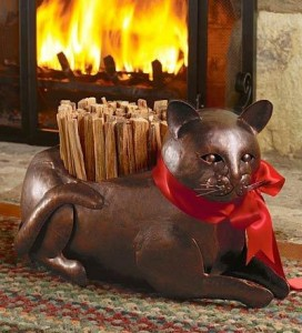 необычная дровница кот